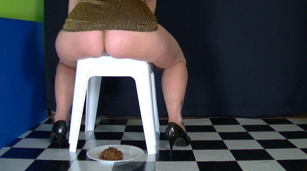 Lady Jeanette Bizarre in Lick my shit-3
